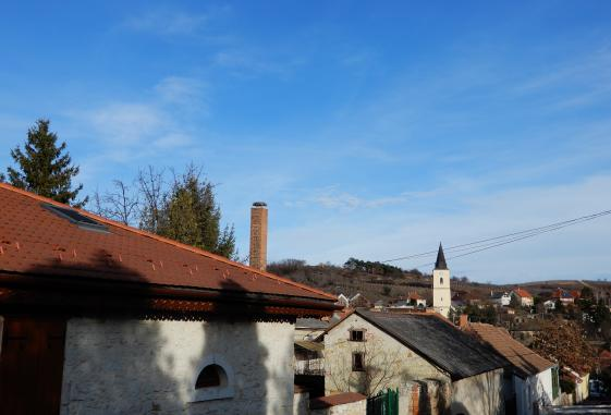 Weekend in Mad, Tokaj